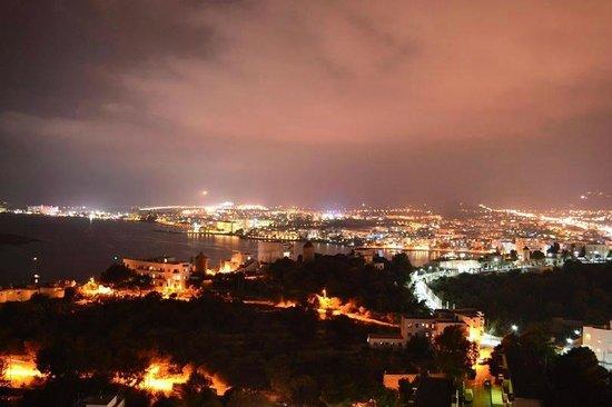 Ibiza Stadt und Burg: Ibiza Town by night...