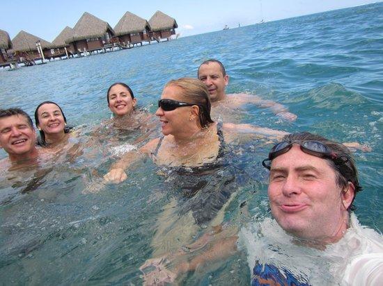 InterContinental Moorea Resort & Spa: Nadando desde el cuarto