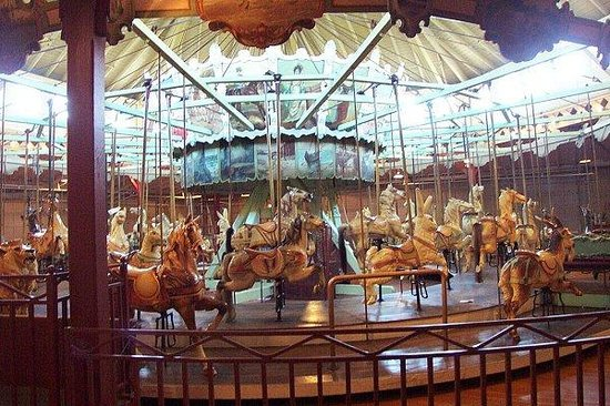 Ontario Beach Park: Ontario Park Carousel
