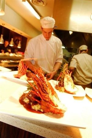 The Lagoon Seafood Restaurant: Beef with lobster