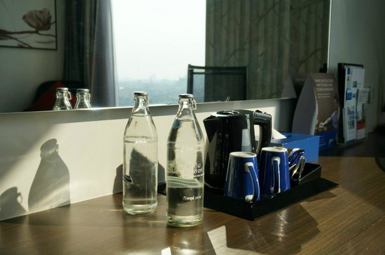 Holiday Inn Express Bangkok Siam : Nice bottle