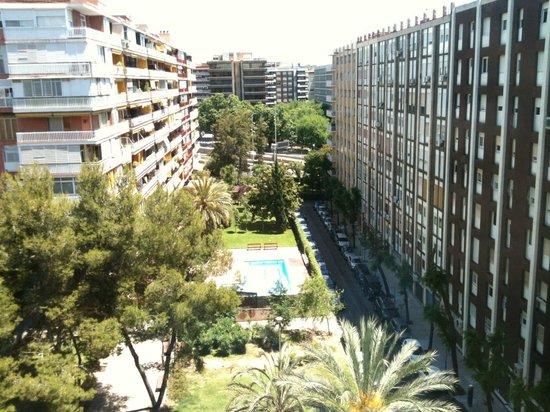 Hotel Pedralbes : vista de um dos apartamentos