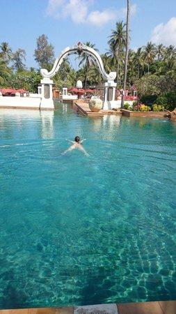 JW Marriott Phuket Resort & Spa: プールを独り占め