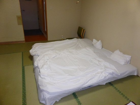 "Ginsenkaku: camera da letto versione ""notte"""
