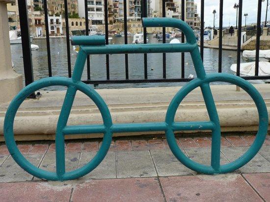 Spinola Bay: Anyone for a ride??