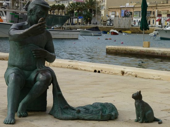 Spinola Bay: A sculpture by the sea.