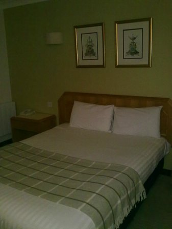 Dragonfly Hotel Peterborough: Bed 2