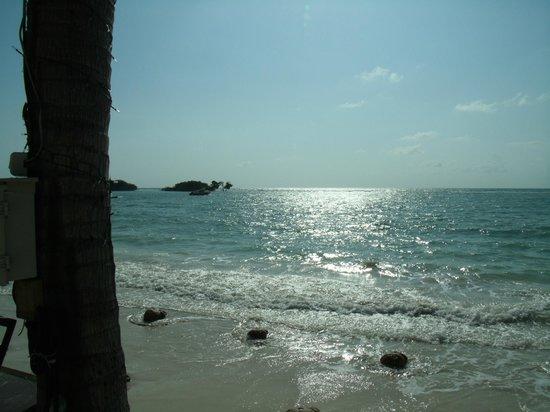 Dara Samui Beach Resort: Vue à partir de la piscine