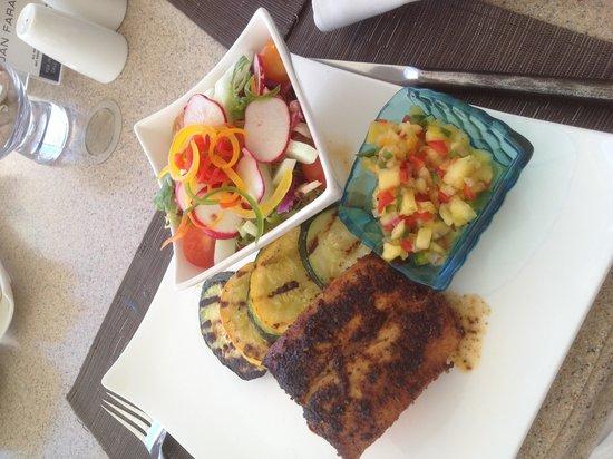 Jumby Bay, A Rosewood Resort : delicious blackened mahi mahi with pineapple salsa! Heavenly!
