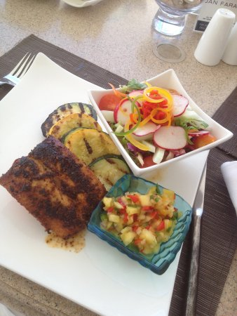 Jumby Bay Island : delicious blackened mahi mahi with pineapple salsa! Heavenly!