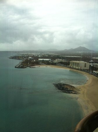 Club Oceano: View from the grand hotel in Arrecife