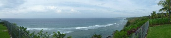 Uluwatu Cottages: Panoramic from end of pool area