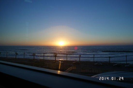 Leonardo Plaza Hotel Haifa: The seaside location is fantastic