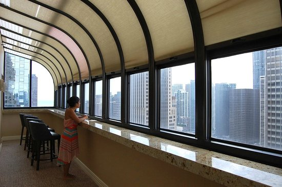InterContinental Chicago: The view from the lounge on the 32nd floor