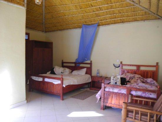 Lal Hotel Woldiya: 2  large beds