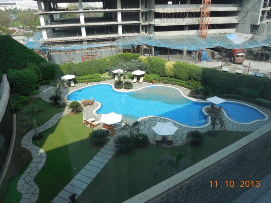 Hyatt Regency Mumbai : Pool view room