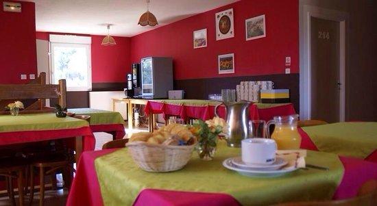 Hotel Le Lagon: Petit déjeuner avec viennoiseries