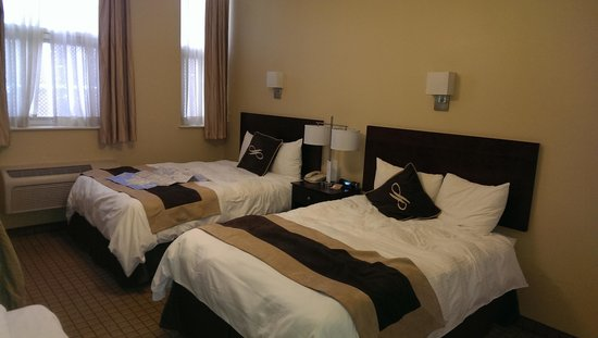 Pointe Plaza Hotel : great room