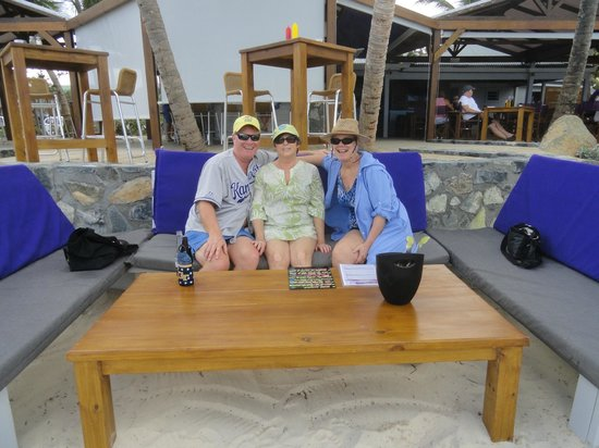 Bikini Beach: Get ambiance.  Nice set up Eric!