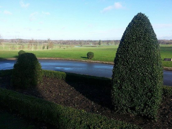 Four Seasons Hotel Hampshire, England: View from the front door