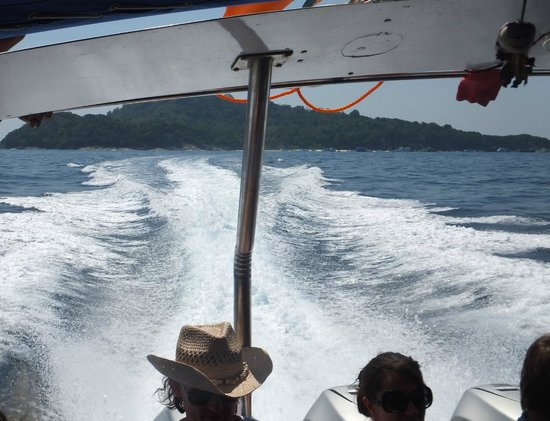 Similan Islands : Powering back