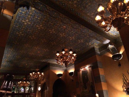La Maison Arabe: Ceiling of the Restaurant