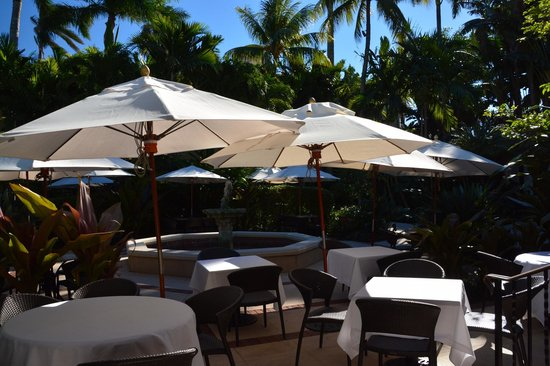 The Brazilian Court Hotel: terrasse petit déjeuner