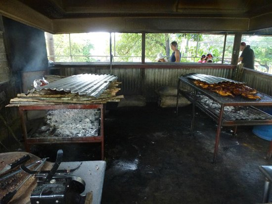 Your Jamaican Tour Guide : At the Pork Pit for some delicious Jerk Pork