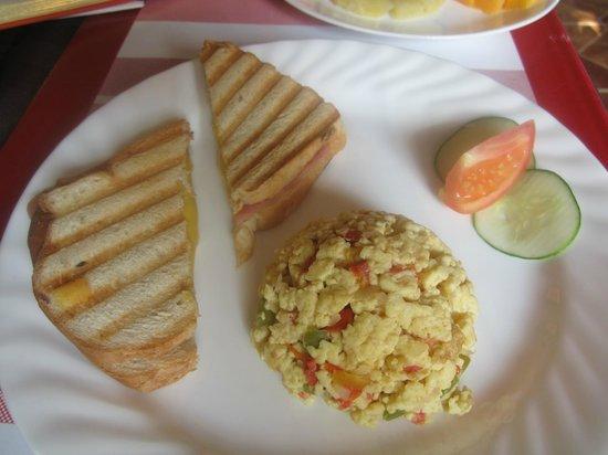 Beny's House: Breakfast