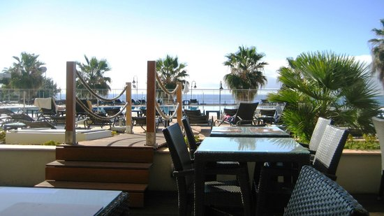 Melia Madeira Mare Resort & Spa: View from breakfast area