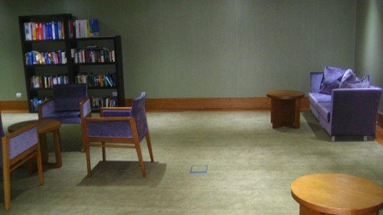 Melia Madeira Mare Resort & Spa: Library