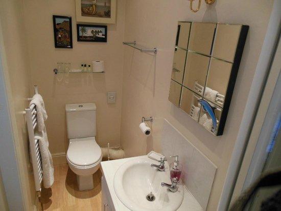 Wisteria House: Bathroom 3