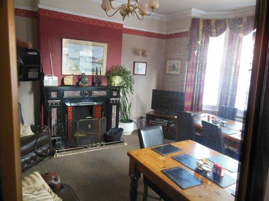 Wisteria House: Breakfast room