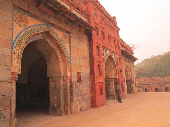 Isa Khan's Tomb: complexe Humayun mausolée Isa Khan