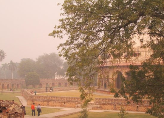 Isa Khan's Tomb: mausolée Isa Khan