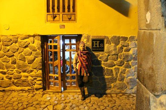 Andean Moon Hostal: Entrada