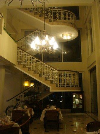 The Phoenix Hotel Yogyakarta - MGallery Collection : Beautiful Stairs