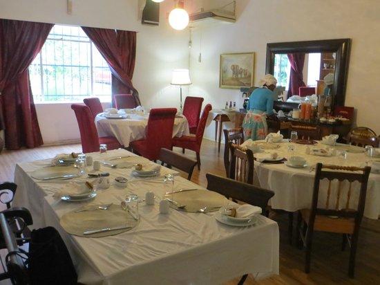 Royal Sheba Guesthouse: Salle à manger