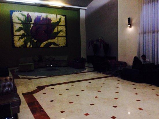 Leonardo Hotel Negev Beer-Sheva: Fun and spacious lobby