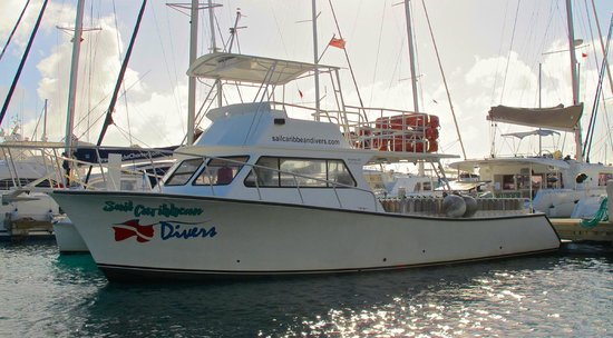 Sail Caribbean Divers : Our 46ft dive boat Endeavour