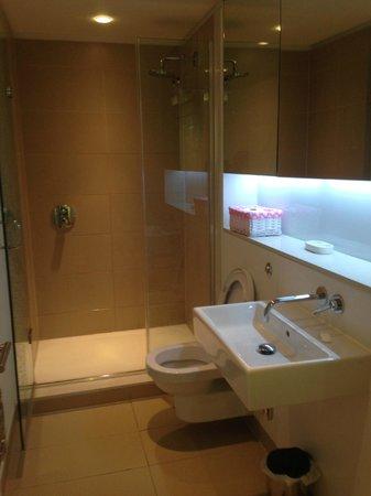 Scotia Grand Residence - Quartermile Apartments: Bathroom