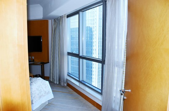 DoubleTree by Hilton Shanghai-Pudong: bedroom