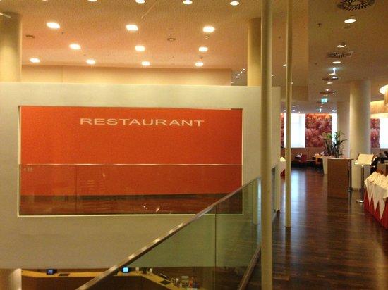 Austria Trend Hotel Savoyen Vienna: vor dem Frühstücksbereich