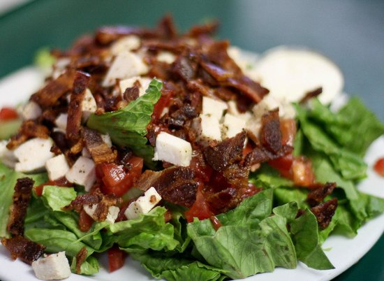 Dish Cafe : BLT Ranch Salad with Chicken