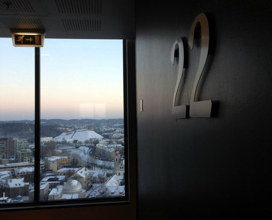 Radisson Blu Hotel Lietuva: View from Sky Bar over the town