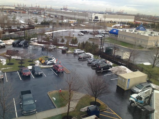 Country Inn & Suites By Carlson, Newark Airport: View from room...I can see New York!