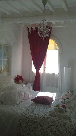 Bed & Breakfast Antiche Mura : suite OFELIA (divano letto matrimoniale)