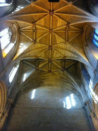 Malmesbury Abbey: Mirror reflection of the nave vaulting