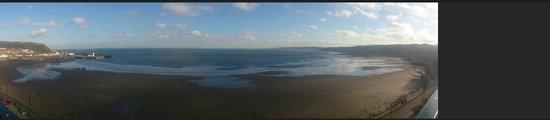 Grand Hotel Scarborough: Panoramic view of both bays....
