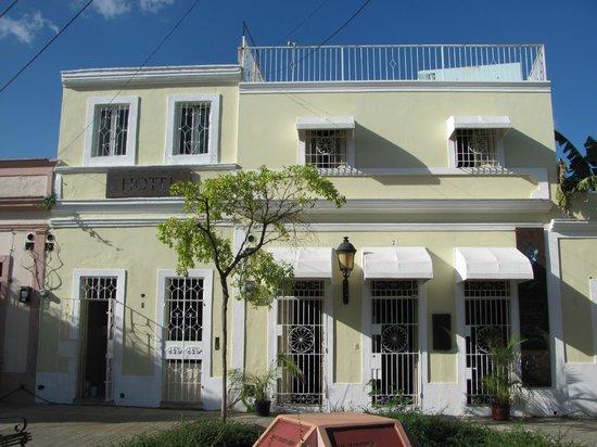 Hotel Portes 9: Esterno